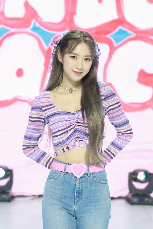Oh-My-Girl-JIHO-2